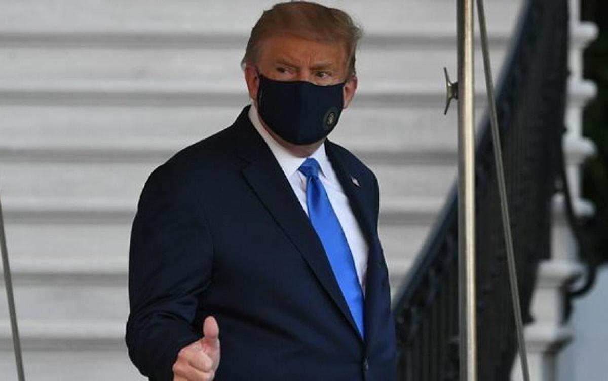 Tổng thống Mỹ Trump đeo khẩu trang ngừa Covid-19. Ảnh: Sky News.