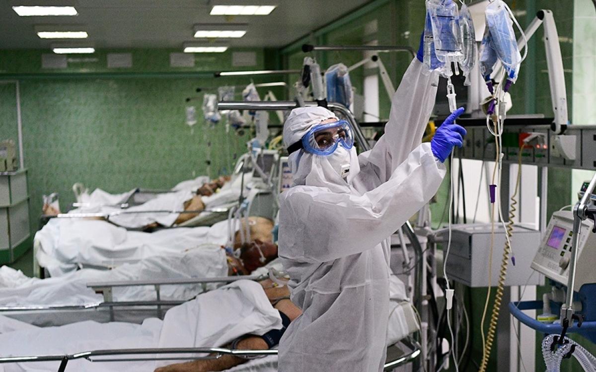 Điều trị Covid-19 tại Nga. Ảnh: RIA.