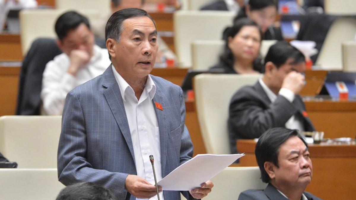 Đại biểu Phạm Văn Hòa lo ngại ngân sách địa phương khó đảm bảo theo quy định. Ảnh: Quốc hội