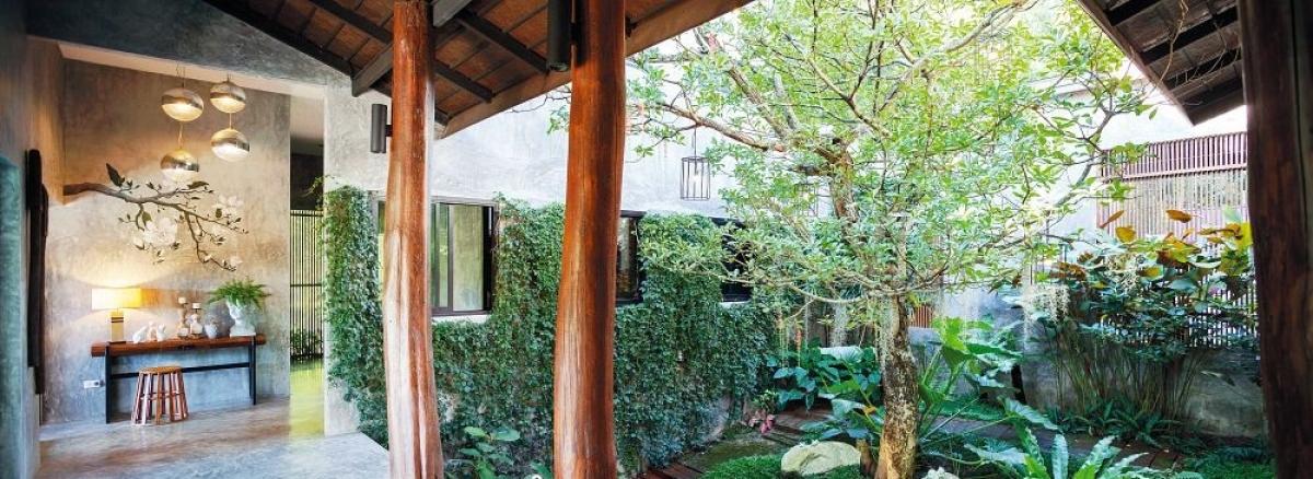 Đây là một ngôi nhà hiện đại, hoàn chỉnh không thua kém những không gian sang trọng ở phố nhưng lại được sống giữa thiên nhiên, núi rừng, đồng ruộng...