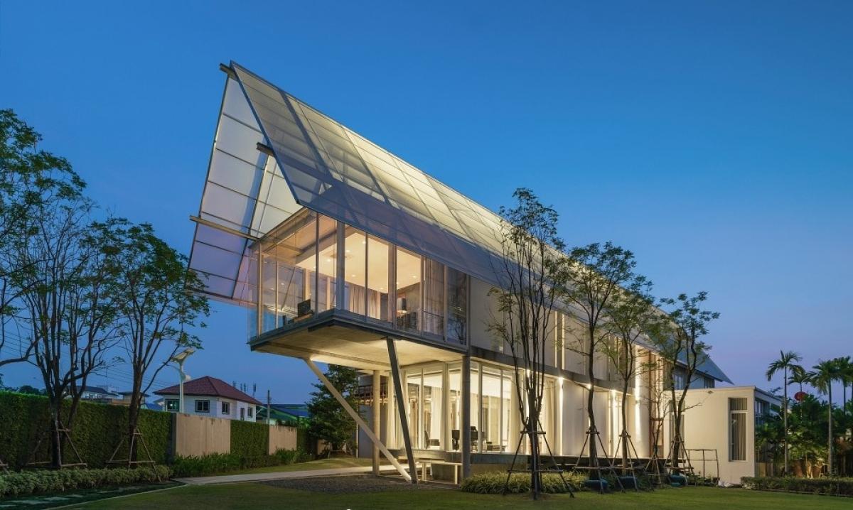 Ngôi nhà có sự giao thoa của 2 nền văn hóa Phương Đông và phương Tây.