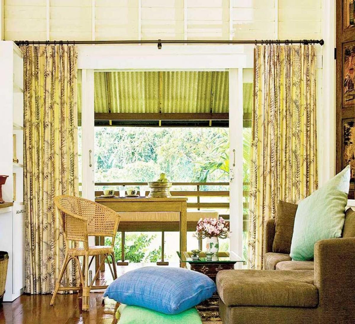 Không gian bên trong khá là ấn tượng bởi cách phối hợp đồ nội thất, v ật dụng sáng tạo, liên kết.