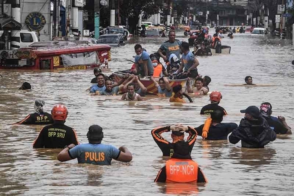 Cơn bão Vamco nhấn chìm thủ đô Manila (Nguồn : Philstar.com)