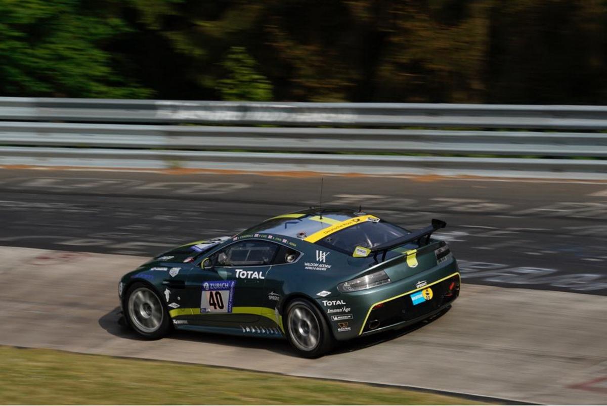 """""""Với các nhà sưu tập, bộ ba Aston Martin Vantage đua này là sự tri ân đặc biệt dành cho một kỷ nguyên thành công của hãng ở các giải đua xe. Trong khi Aston Martin đang tiếp tục giành lấy những chức vô địch thế giới với Vantage V8 tăng áp mới, nền tảng thành công của những chiếc xe đua nguyên bản đã trở thành món món đồ sưu tập được săn đón khắp thế giới. Bộ sưu tập này sẽ trở thành một dấu hiệu tuyệt vời dành cho mẫu xe này"""", David King, Giám đốc bộ phận xe đua Aston Martin Racing cho biết."""