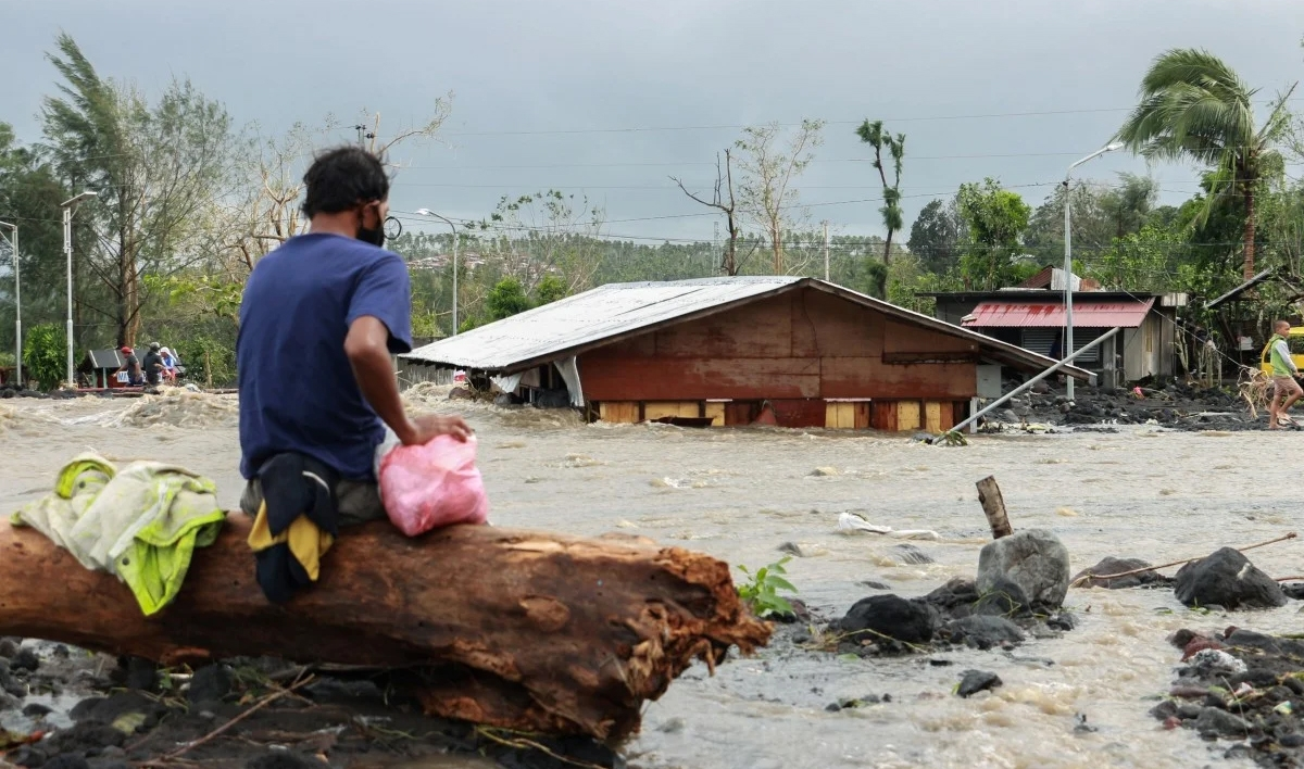 Bão Goni gây thiệt hại lớn ở Philippines. Ảnh: Reuters.