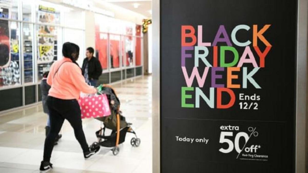 Black Friday là ngày hội giảm giá lớn nhất trong năm. (Ảnh: Reuters).