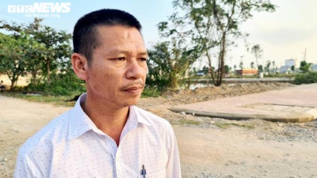 Ông Trần Văn Mười (Trưởng thôn Lạc Nhuế).