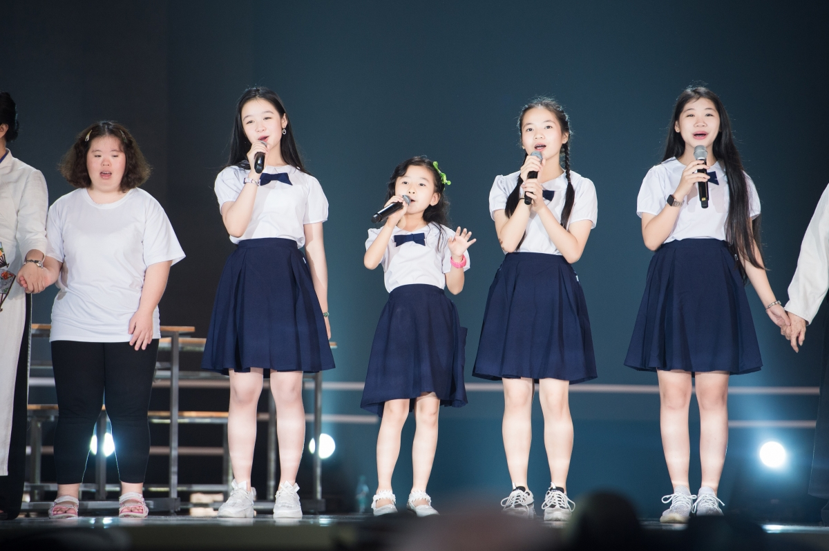 Tổng đạo diễn Hoàng Nhật Nam cho biết, đêm chung kết được tổ chức đúng ngày Nhà giáo Việt Nam 20/11.