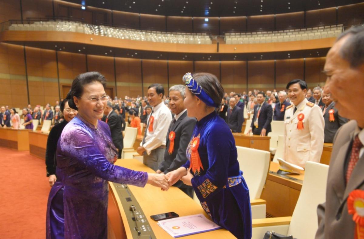 Chủ tịch Quốc hội gặp mặt các điển hình hiếu học trên toàn quốc