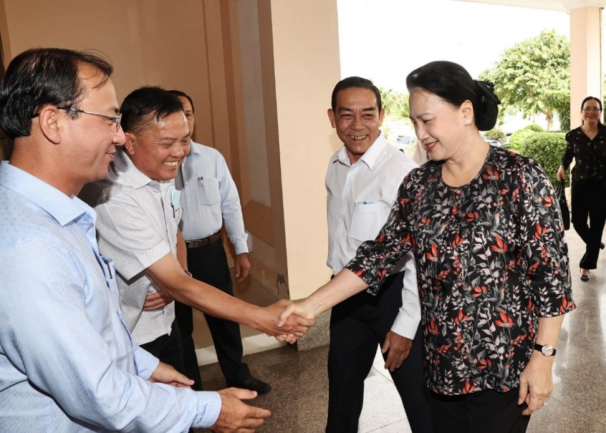 Chủ tịch Quốc hội tiếp xúc cử tri tại huyện Phong Điền.