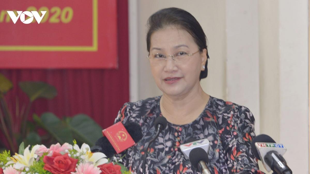 Chủ tịch Quốc hội trả lời cử tri ở Cần Thơ