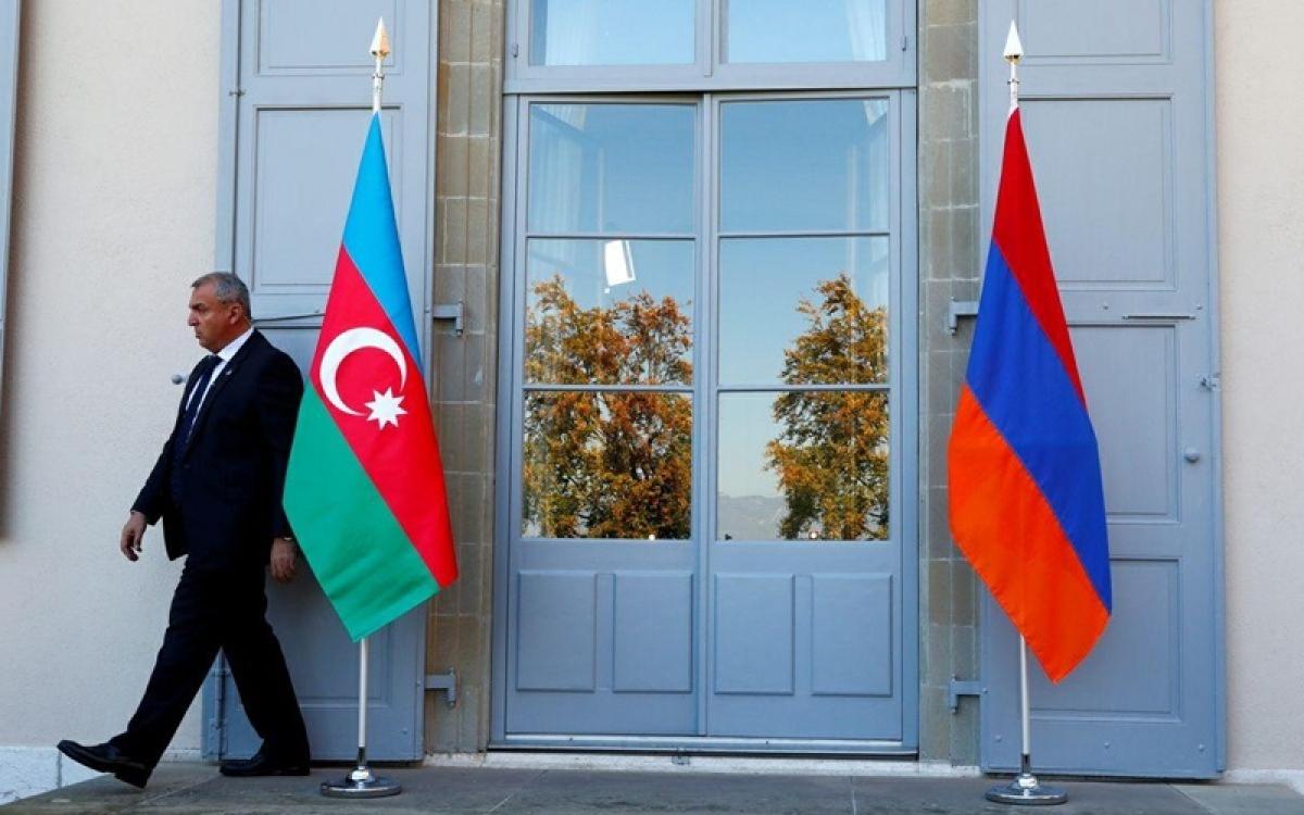 Cờ Azerbaijan và Armenia. Ảnh: Iran Front Page.