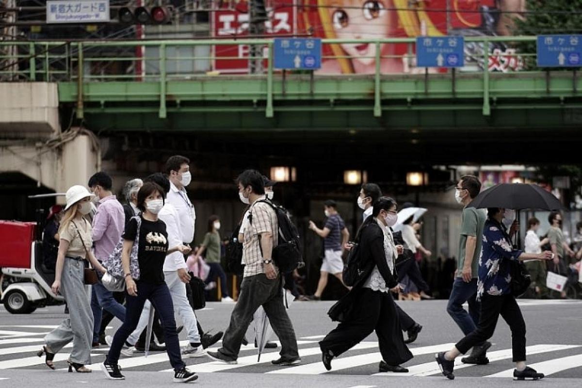 Nhật Bản dự kiến tiêm vaccine ngừa Covid-19 cho các nhân viên y tế vào cuối tháng 2/2021. Ảnh: AP