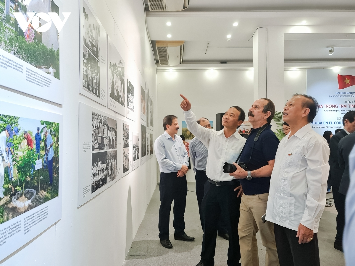 A total of 90 images go on display for visitors to enjoy with the aim of highlighting the solidarity, friendship, co-operation, and mutual support that has historically existed between the governments and citizens of both nations.