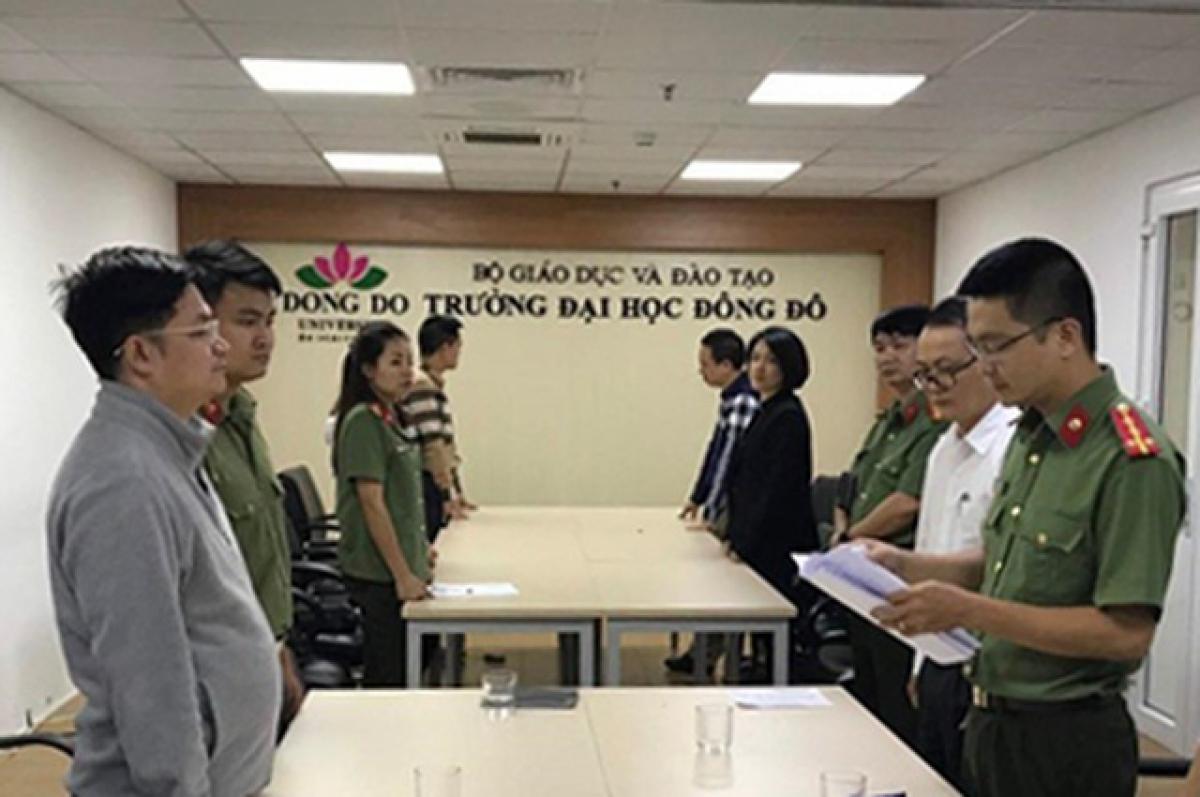 Cơ quan ANĐT đọc lệnh bắt giữ Lê Ngọc Hà.