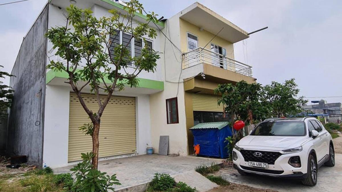 Những căn nhà được dựng lên trên đất lấn chiếm thuộc khu đất tái định cư 9,2 ha tại phường Thành Tô (quận Hải An, Hải Phòng).