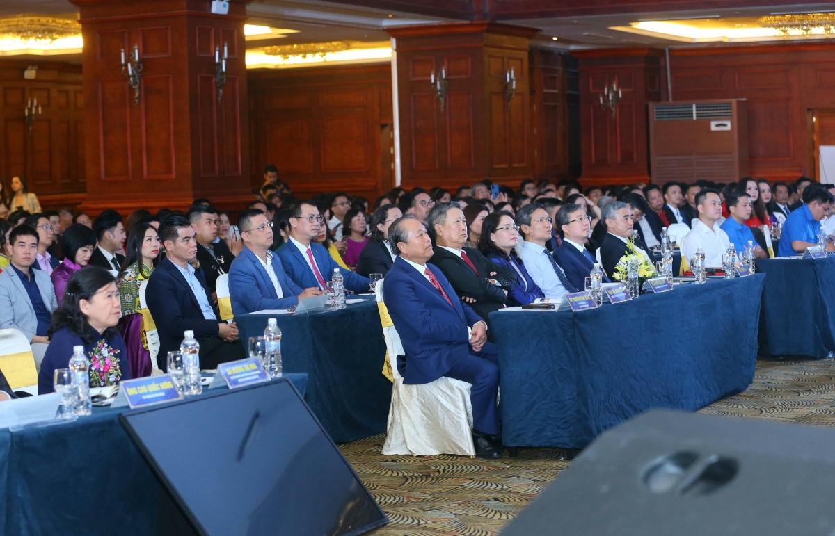 """Các đại biểu tham dự Diễn đàn """"Tái thiết kinh tế trong bối cảnh mới từ góc độ văn hóa kinh doanh"""". (Ảnh: VGP/Lê Sơn)"""