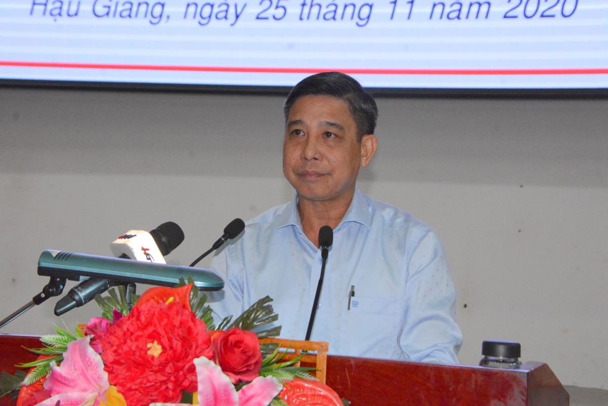 Chủ tịch UBND tỉnh Hậu Giang Đồng Văn Thanh phát biểu tại hội nghị