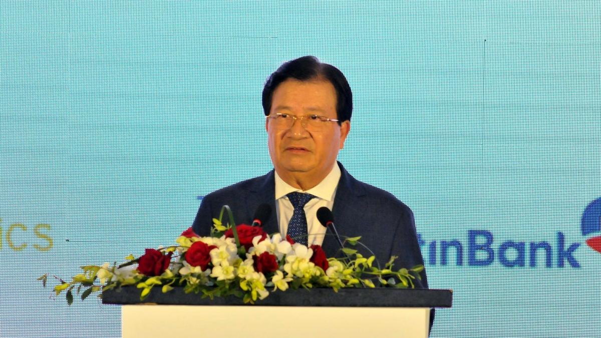 Phó Thủ tướng Trịnh Đình Dũng đề ra những yêu cầu rất cụ thể đổi với ngành dịch vụ logistics.