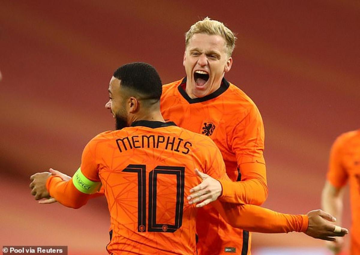 Van De Beek tiếp tục thể hiện duyên ghi bàn cho ĐTQG. (Ảnh: Reuters)