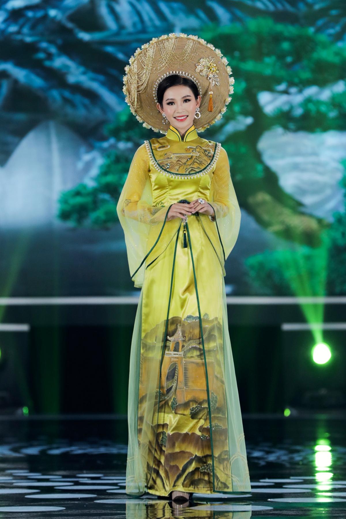 Áo dài là trang phục truyền thống của dân tộc. Việc trình diễn áo dài trong đêm Chung kết toàn quốc HHVN 2020 mang ý nghĩa nhân văn lan tỏa tiếng nói trái tim và lòng nhân ái đáng trân quý của người phụ nữ Việt Nam.