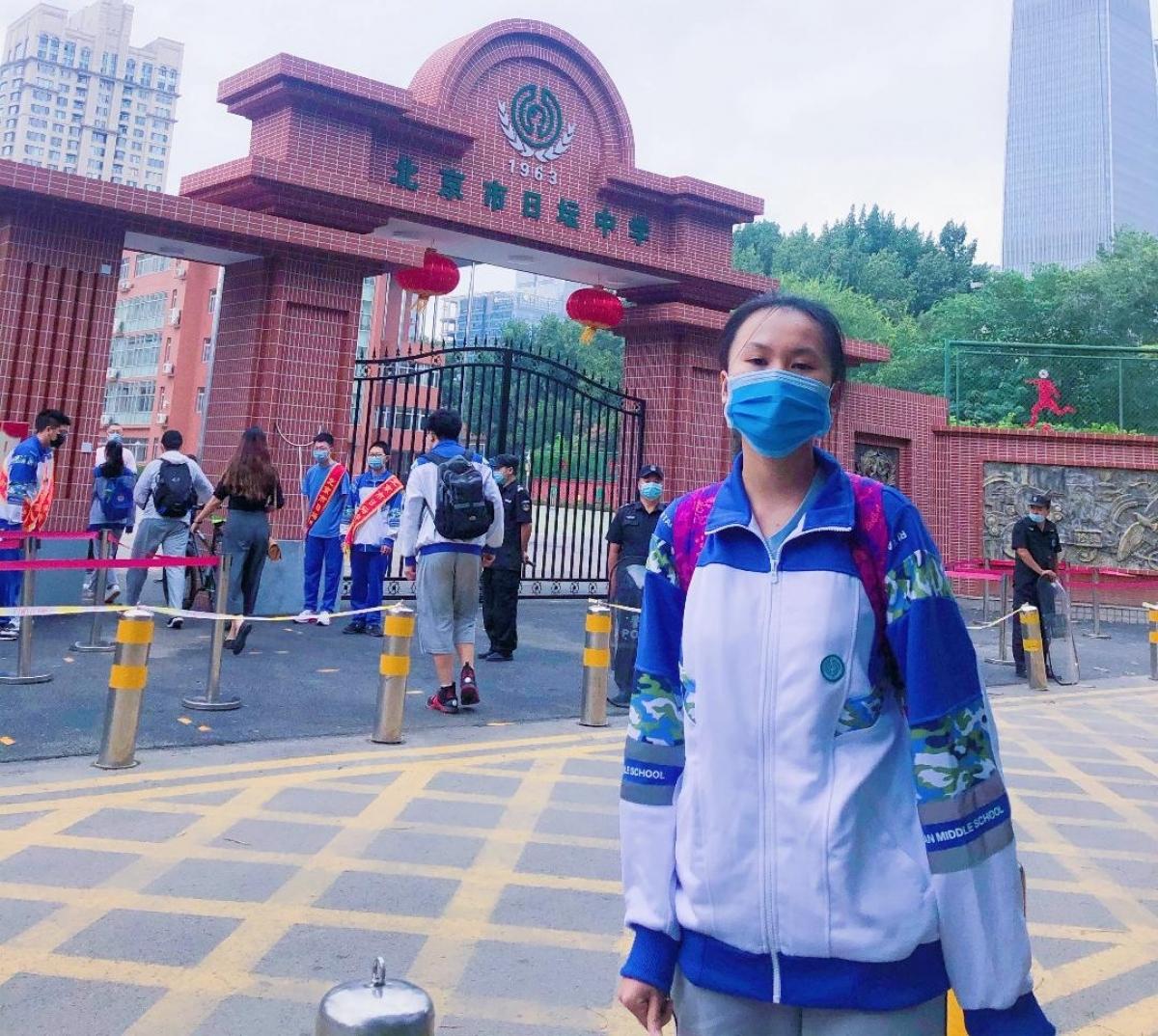 Cháu Lê Ngọc Linh, học sinh Việt Nam đang học tại trường Trung học Nhật Đàn, Bắc Kinh. Ảnh: NVCC.