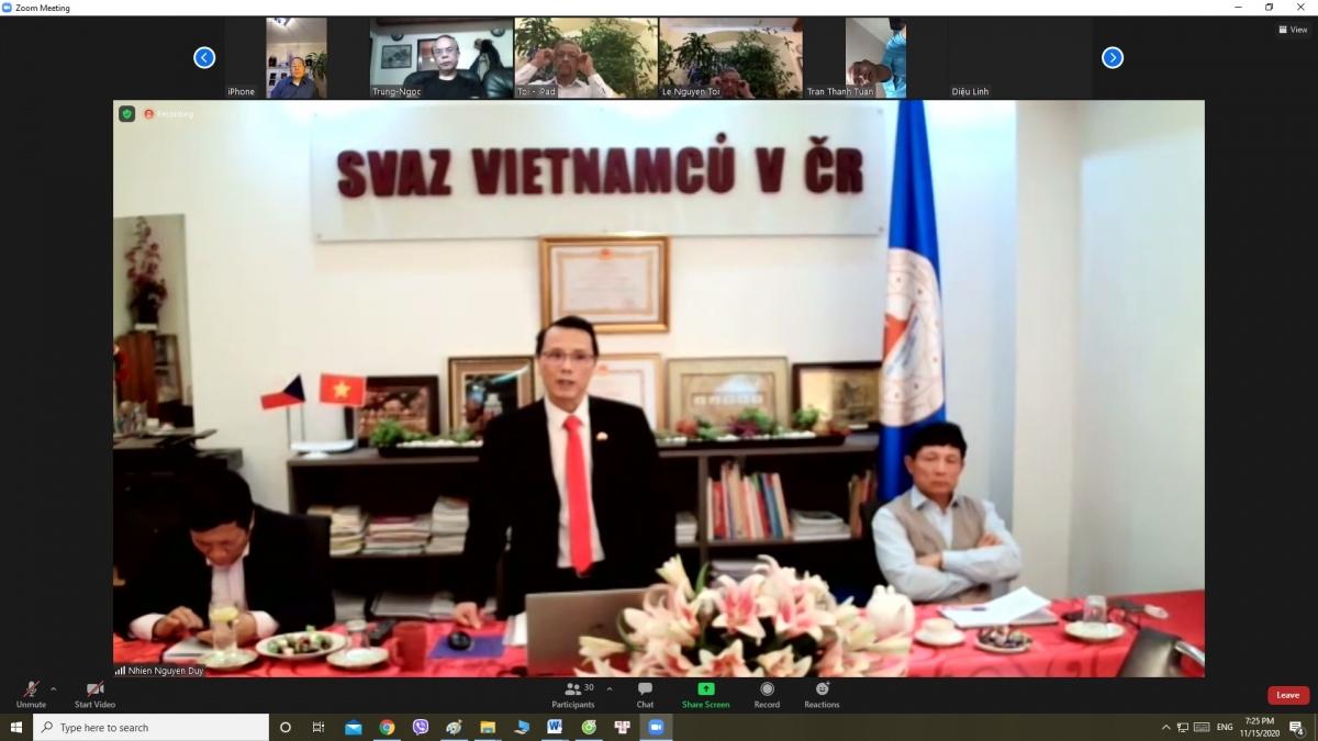 Họp trực tuyến cộng đồng người Việt tại Séc