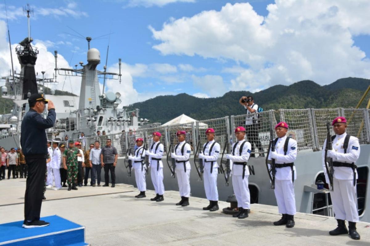 Tổng thống Indonesia thăm căn cứ quân sự ở Natuna đầu năm 2020. (Ảnh: Reuters)