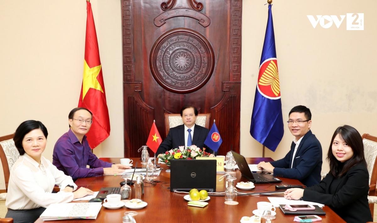 Đoàn Việt Nam dự Hội nghị trực tuyến Bộ trưởng Văn hóa nghệ thuật ASEAN giai đoạn 2020-2022.