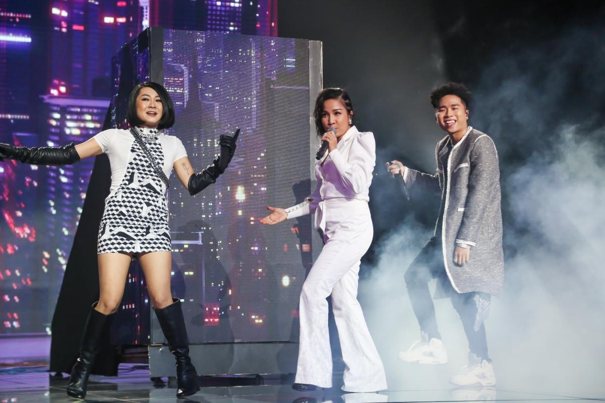 Diva Mỹ Linh hát cùng Tuimi và Right.