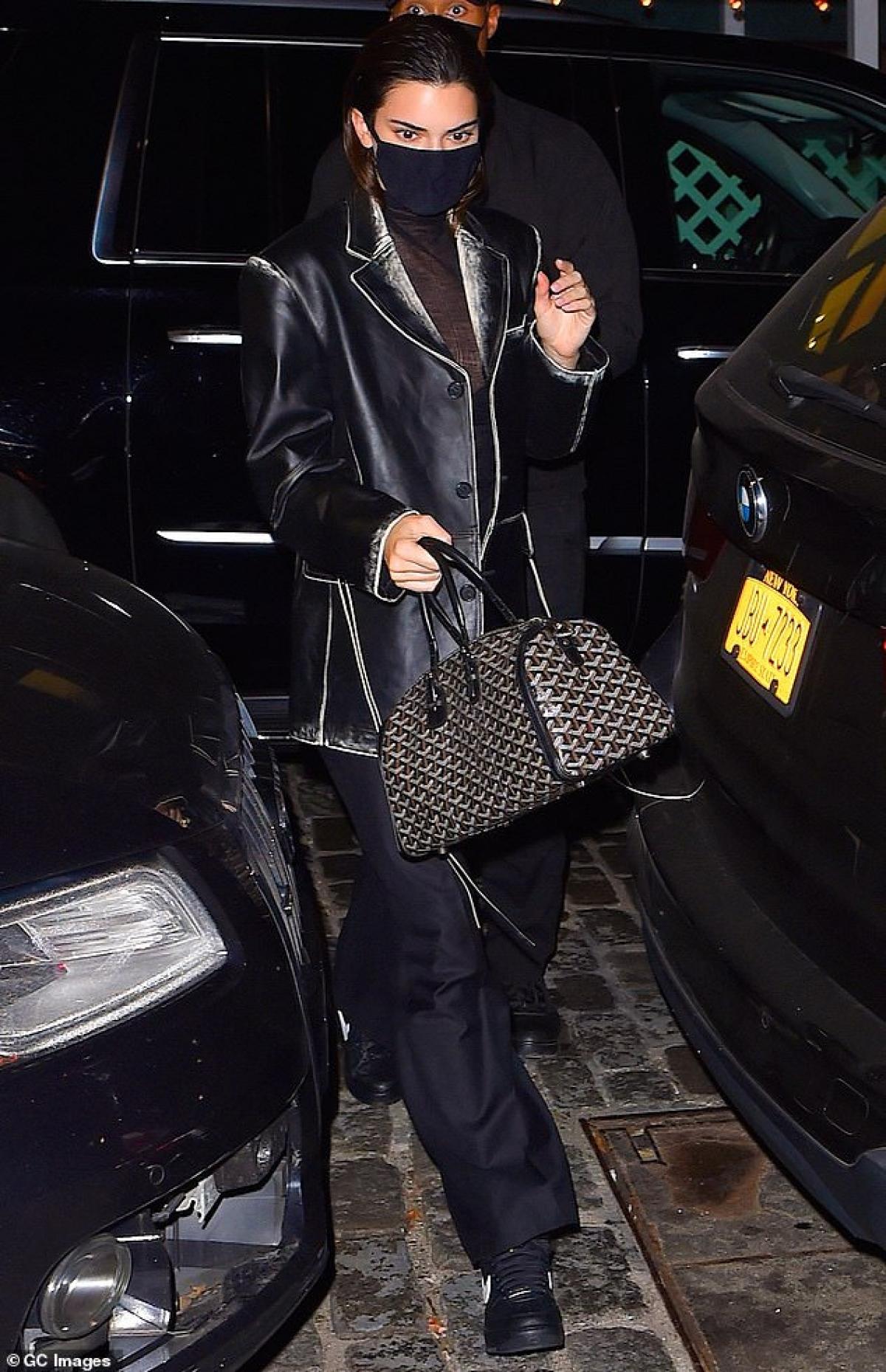 Vừa qua, Kendall Jenner mới kết thúc buổi chụp hình cho một thương hiệu thời trang nổi tiếng.