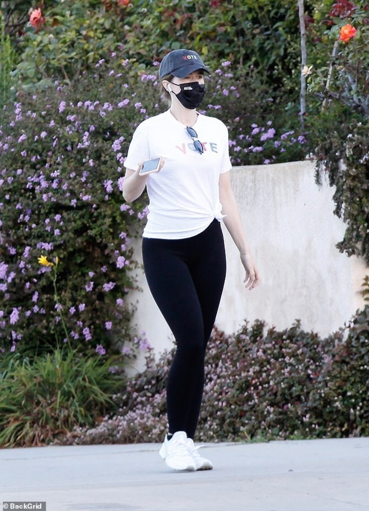 Bà xã Chris Pratt cho biết, cô chăm chỉ tập luyện thể thao và ăn uống khoa học để giữ dáng.