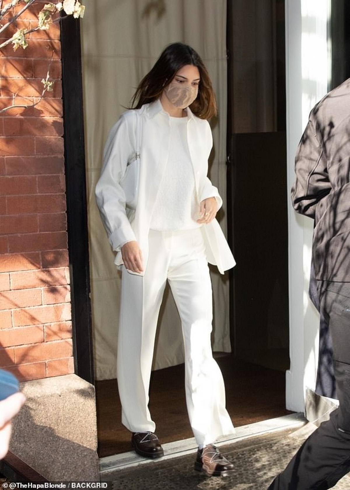 Sinh ra trong gia đình Kardashian - Jenner giàu có nổi tiếng, Kendall khá thuận lợi khi lấn sân vào làng thời trang.