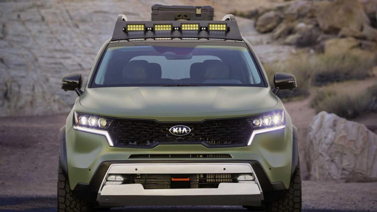 Chính vì thế, Sorento Yosemite Edition sẽ có hơi hướng của một chiếc xe chinh phục đồi núi trong khi Sorento Zion Edition xuất hiện với dáng dấp của một mẫu xe thám hiểm sa mạc.