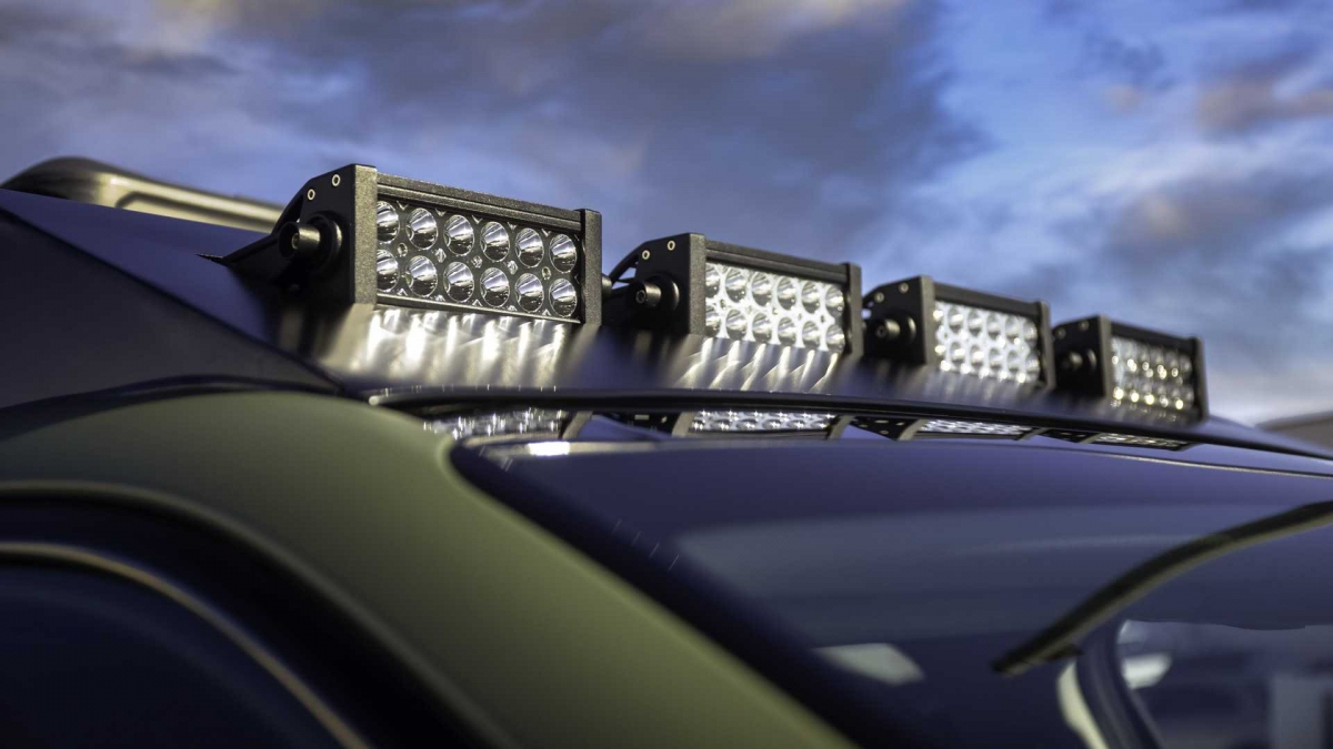 Sorento thế hệ thứ 4 được bán ra với nhiều tùy chọn động cơ khác nhau. Tại Việt Nam, xe sở hữu động cơ Smartstream dung tích 2.5 lít chạy xăng, cho công suất cực đại 177 mã lực và mô-men xoắn 232 Nm, kết hợp cùng hộp số 6 cấp.