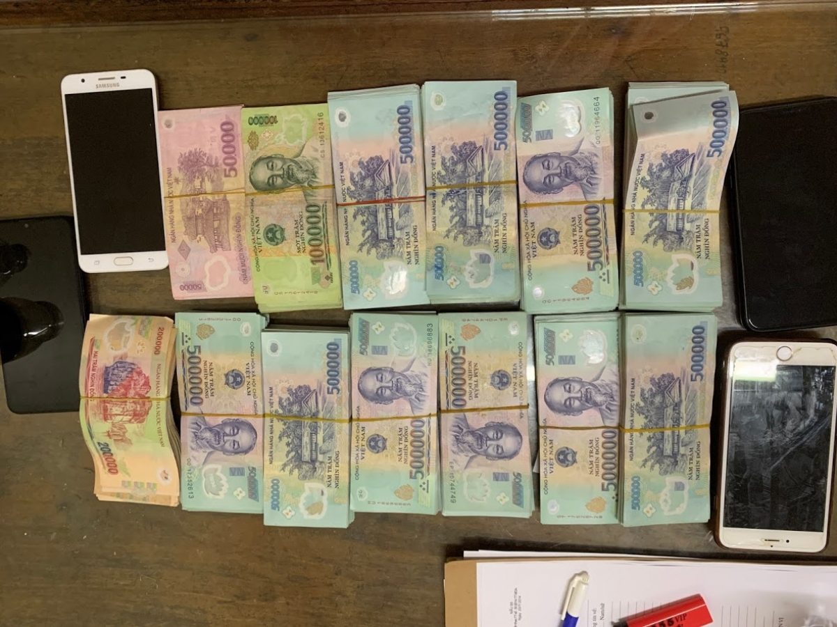Số tiền tang vật thu được đường dây đánh lô đề của đối tượng Phan Thị Trang