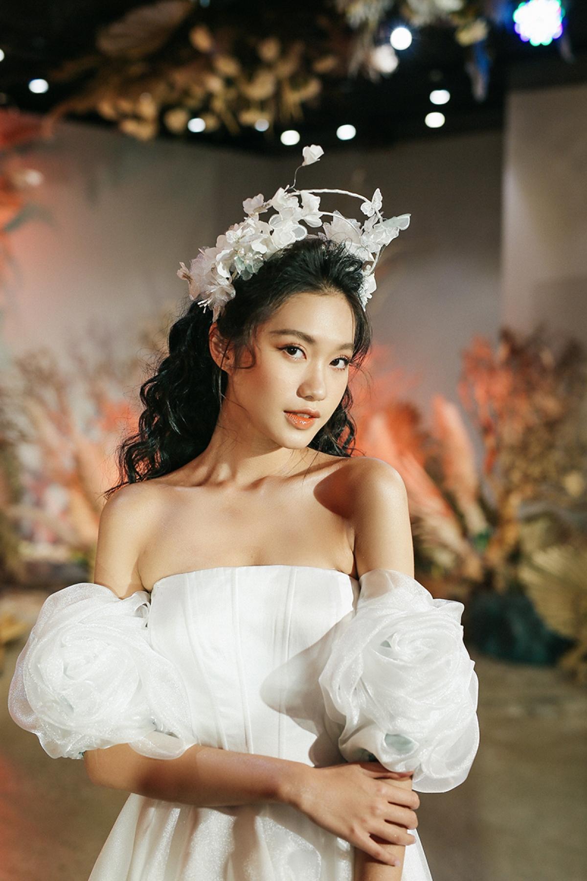 Dù chỉ dừng chân tại top 10 cuộc thi Hoa hậu Việt Nam 2020 nhưng cái tên Doãn Hải My vẫn gây được ấn tựng tốt bởi vẻ đẹp trong sáng, hút hồn người đối diện.