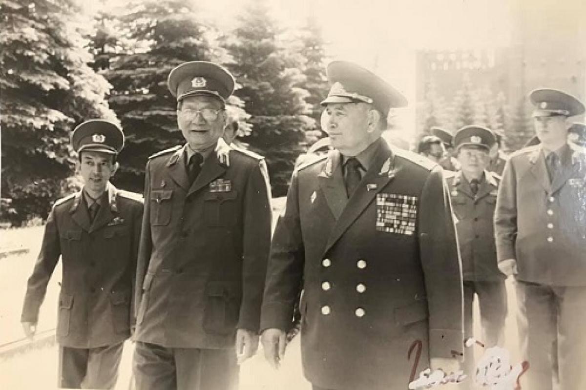 Bộ trưởng Bộ Quốc phòng, Đại tướng Lê Đức Anh trong chuyến thăm Liên Xô tháng 6/1989. Ảnh: Tư liệu