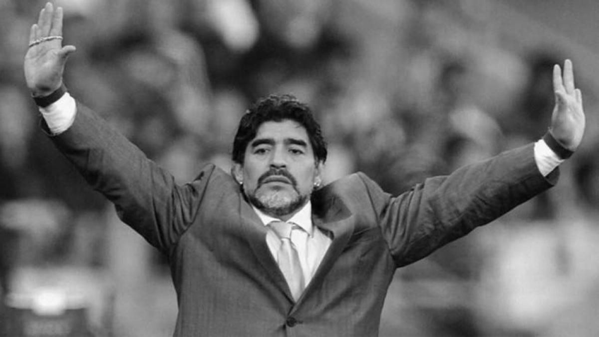 Thế giới bày tỏ sự tiếc thương trước sự ra đi của Maradona. Ảnh: Marca