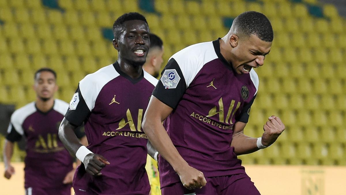 Mbappe đóng góp 1 bàn và 1 kiến tạo giúp PSG thắng Nantes 3-0. (Ảnh: Getty).