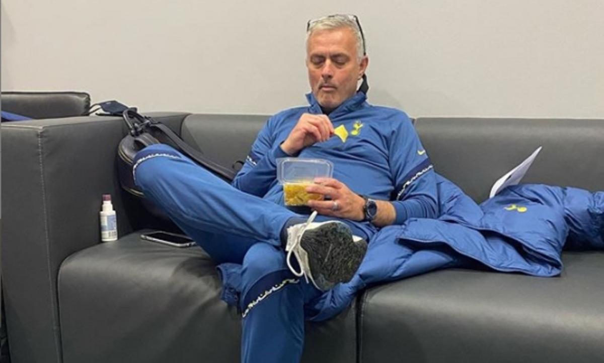 Hình ảnh được Mourinho chia sẻ trên trang cá nhân. (Ảnh: Whoscored)