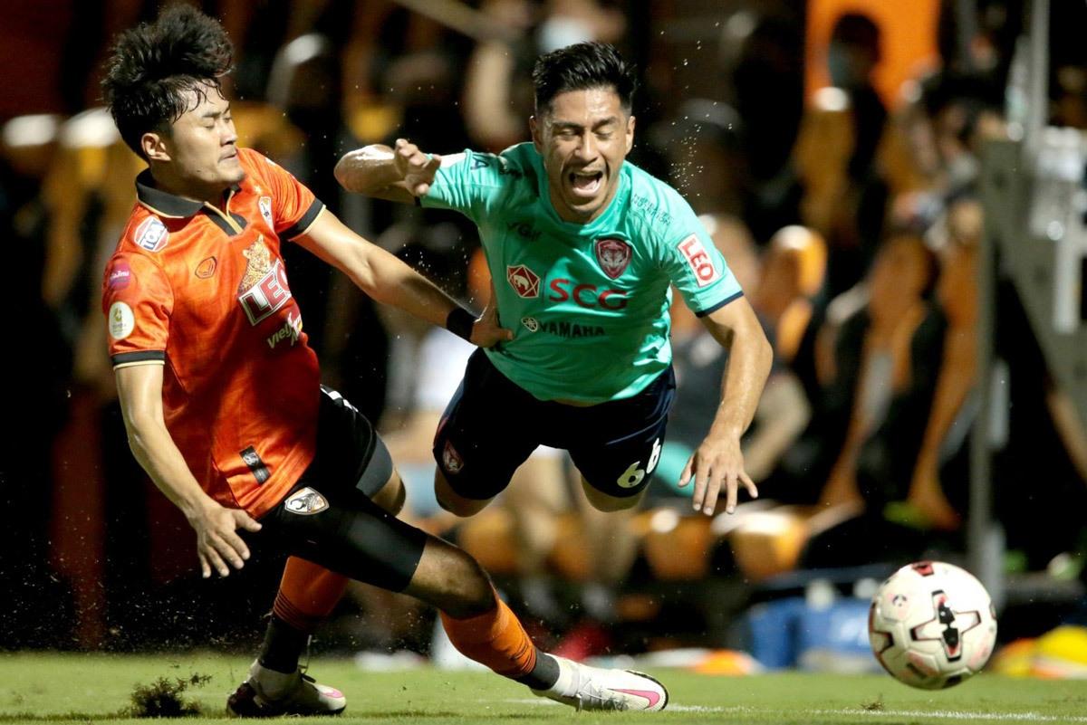 Đội bóng Muangthong United bức xúc với trọng tài trong trận đội bóng này thua Chiangrai. (Ảnh: MUTV).