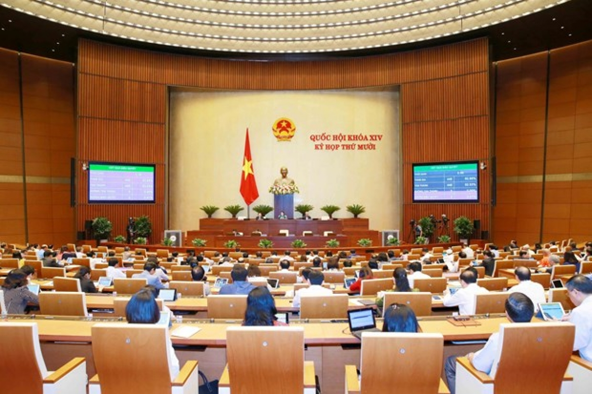 The plenum on November 12 of the National Assembly's ongoing 10th session (Photo: VNA)
