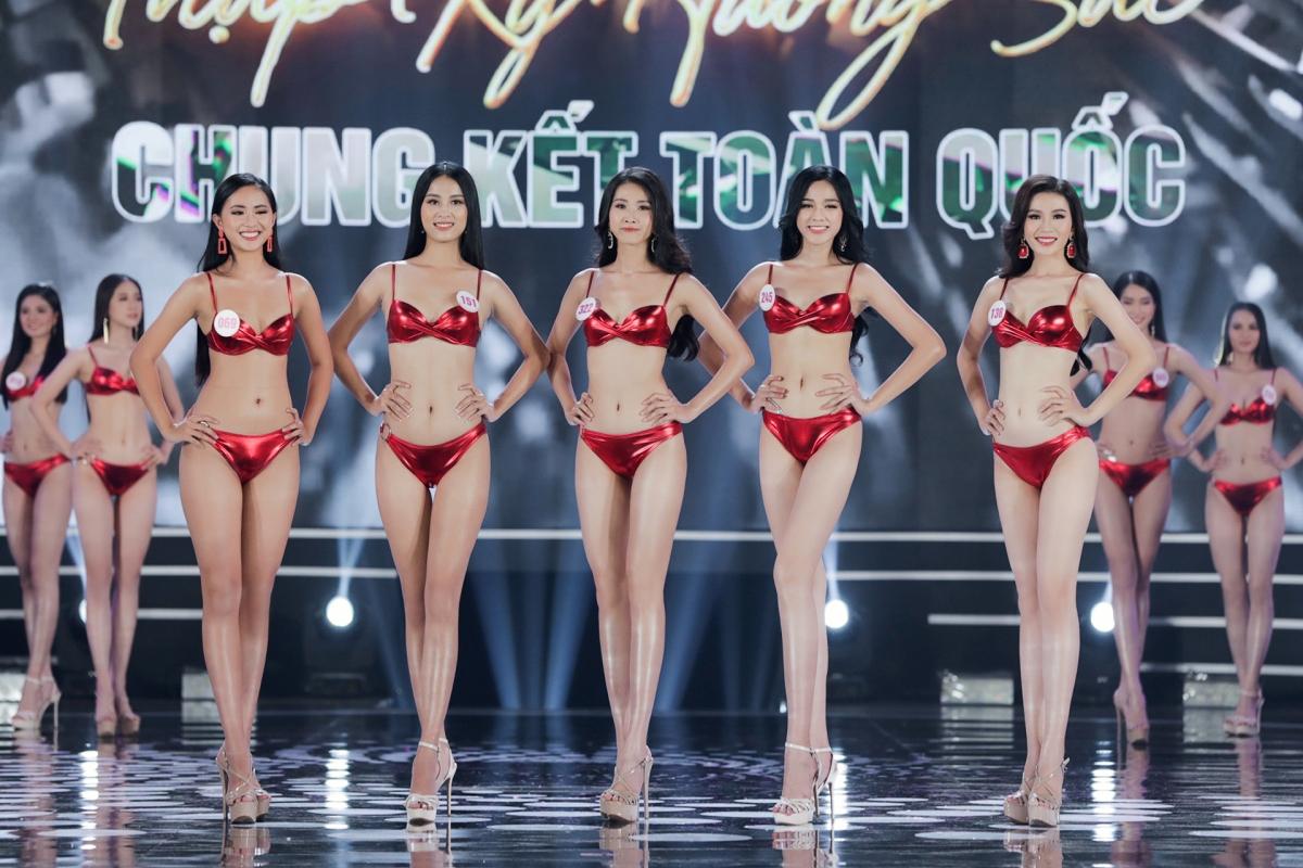 Top 5 Người đẹp được yêu thích nhất, gồm Đậu Hải Minh Anh, Phù Bảo Nghi, Đỗ Thị Hà, Lê Thị Tường Vy, Phạm Thị Ngọc Ánh.