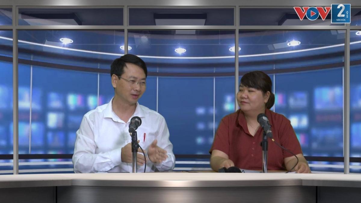 Ông Nguyễn Tiến Đạt – Giám đốc Công ty Du lịch AZA trao đổi với phóng viên.