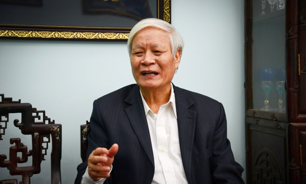 TS Nguyễn Viết Chức, Ủy viên Ủy ban TƯMặt trận Tổ quốc Việt Nam.