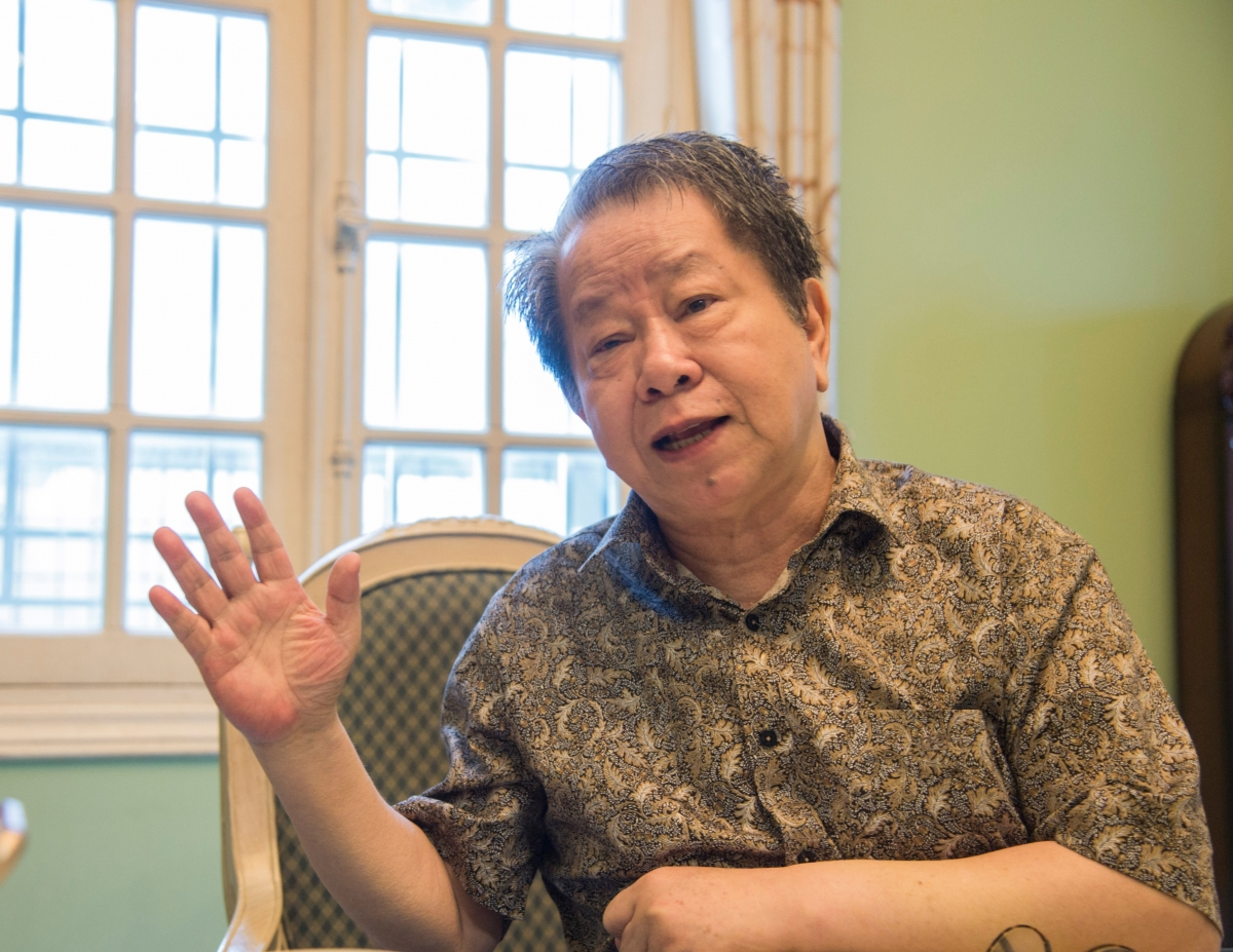 Ông Nguyễn Trần Bạt góp ý vào Dự thảo văn kiện Đại hội XIII. Ảnh: Bình Minh.