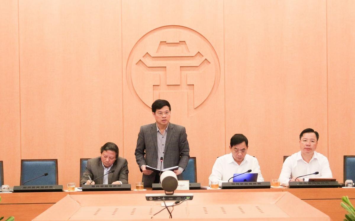 Ông Ngô Văn Quý, Phó Chủ tịch UBND TP Hà Nội chỉ đạo các đơn vị thực hiện các biện pháp ngăn ngừa dịch bệnh từ bên ngoài vào.