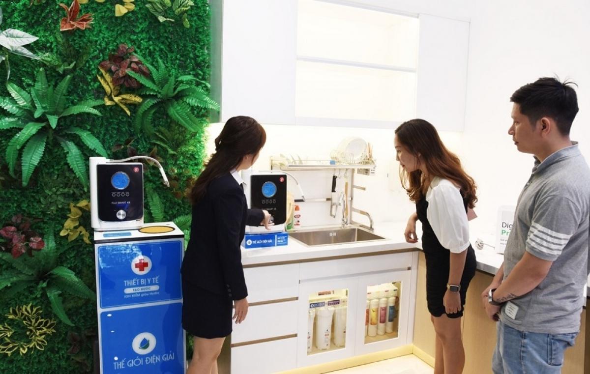Căn bếp mô phỏng tại 2 showroom thế hệ mới giúp nâng tầm trải nghiệm máy lọc nước ion kiềm