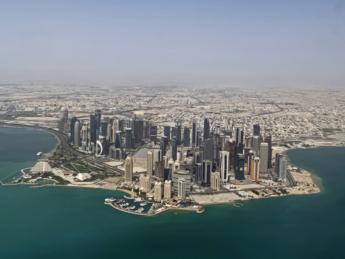 Qatar là quốc gia an toàn và người dân có mức lương tháng trung bình cao nhất thế giới. Nguồn: Wikimedia